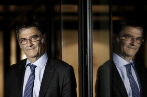 El-premio-nobel-Serge-Haroche-habla-de-fisica-cuantica-en-Madrid_image800_