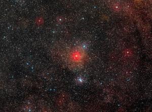 El campo alrededor de la estrella. HR 5171 es la estrella más brillante justo bajo el centro de la imagen. (Imagen cortesía de ESO)