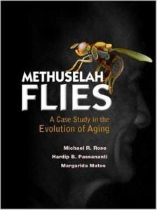 Moscas Matusalén presentan un proyecto pionero en la biología del envejecimiento. Se describe la investigación sobre los primeros organismos que aumentaron su esperanza de vida, y  donde su envejecimiento fue más lento por la manipulación hereditaria. Estos organismos son moscas de la fruta de la especie Drosophila melanogaster, el gran caballo de batalla de la genética.
